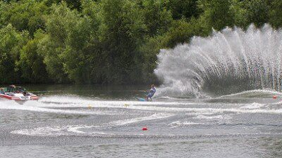 Wakeboarding, Waterskiing, and Cable Wake Parks in Cirencester: Cirencester Water Ski Club