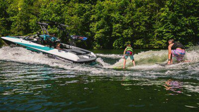 Wakeboarding, Waterskiing, and Cable Wake Parks in Wisconsin Dells: Holiday Shores Resort and Marina