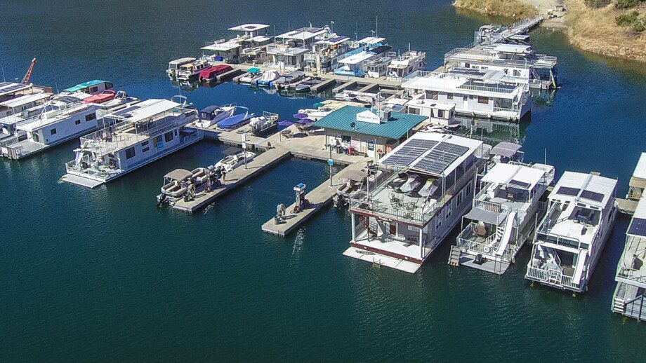 Moccasin Point Marina