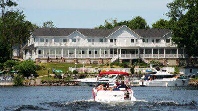 Water Sport Resorts in Ontario: Viamede Resort