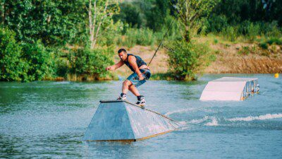 WakeScout listings in France: Off Axis Wake