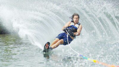Wakeboarding, Waterskiing, and Cable Wake Parks in Mâcon: Club de Ski Nautique et Barefoot de Mâcon