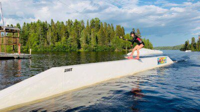 Wakeboarding, Waterskiing, and Cable Wake Parks in Saguenay-Lac-Saint-Jean: Traxxion 4 Wakepark