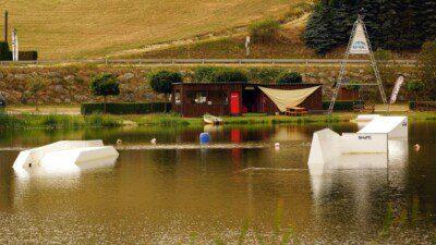 Wakeboarding, Waterskiing, and Cable Wake Parks in Waldhausen: Shapeland Waldhausen