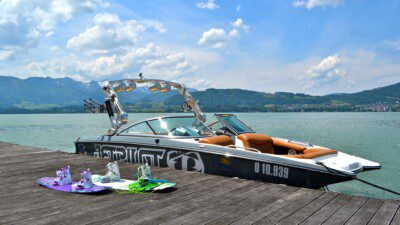 Wakeboarding, Waterskiing, and Cable Wake Parks in Gmunden: Jolly Roger's Sports Club