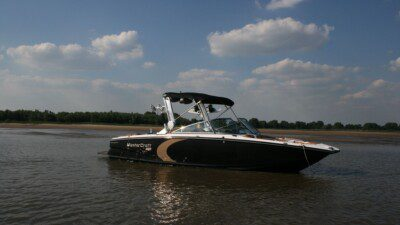 WakeScout listings in Germany: Wake 55 Boat Charter