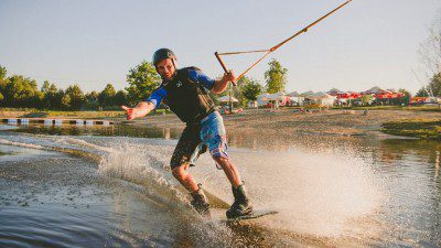 Wakeboarding, Waterskiing, and Cable Wake Parks in Kaniow: Wakeport Kaniow