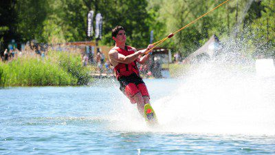 Wakeboarding, Waterskiing, and Cable Wake Parks in Arenthon: TNA Teleski Nautique Arenthon