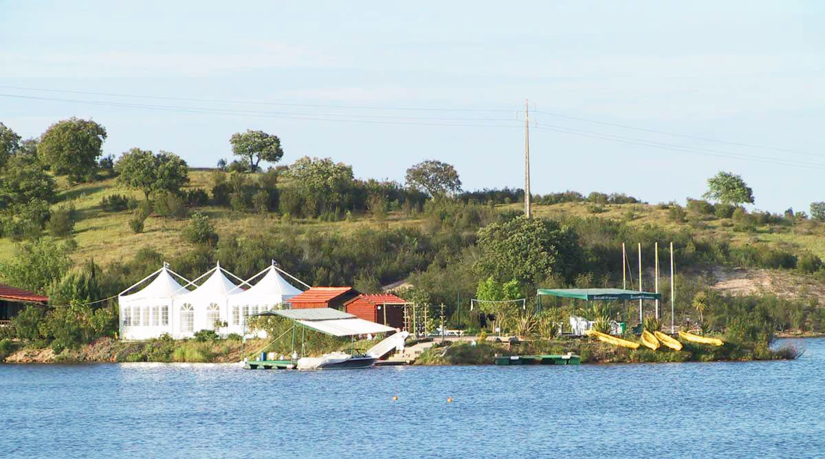 Wakeboarding, Waterskiing, and Cable Wake Parks in Ciborro: Ski Clube do Alentejo