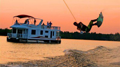 Water Sport Schools in Ontario: Kawartha Water Sports
