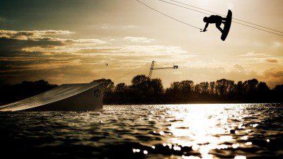 Wakeboarding, Waterskiing, and Cable Wake Parks in Sassenburg: Wasserski Bernsteinsee